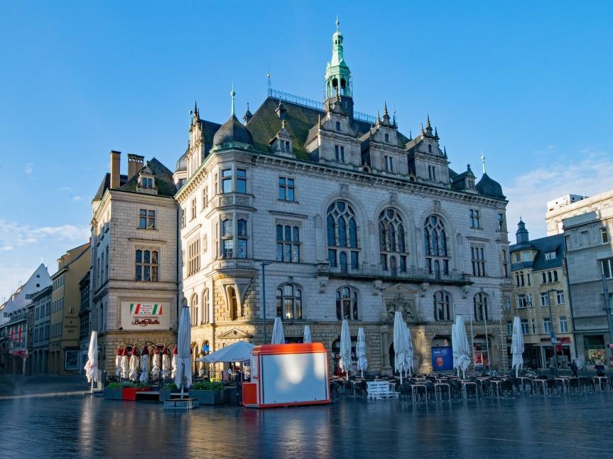 Neues Wohngebiet für Halle-Neustadt, Quartiersmanagement und Winterdienst auf Radwegen – Was im Dezember-Stadtrat interessantwird!